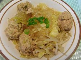 生姜たっぷり肉団子とキャベツの煮物