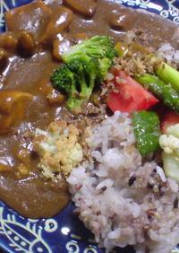 揚げ野菜とチキンのカレー