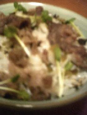 牛肉+高菜の混ぜご飯