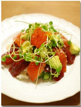 アボカドと漬けマグロのちらし寿司