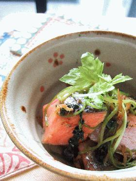 鮭と三つ葉の生姜炒め。