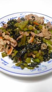 野沢菜と豚肉の炒めものの写真