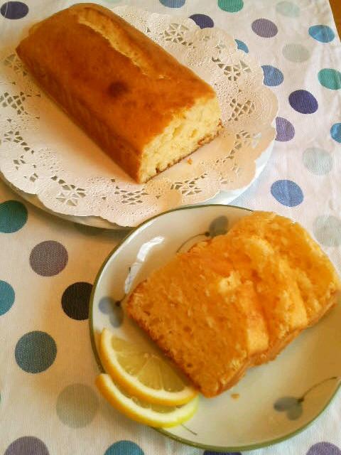 混ぜて焼くだけ♪レモンヨーグルトケーキ