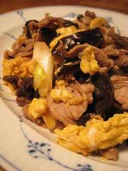 豚肉ときくらげ&ふんわり卵の炒め物。の写真