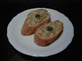イタリア料理屋さんのガーリックトースト