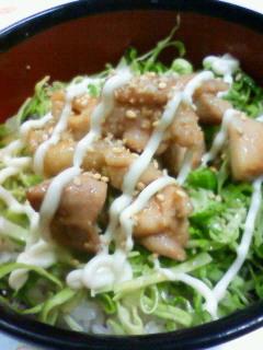 ☆鶏もも肉と春キャベツの簡単照りマヨ丼☆