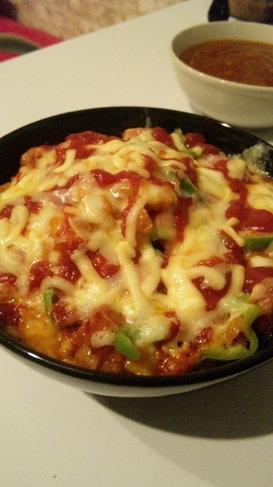 冷蔵庫の余り物で!子供も大好き簡単ピザ丼