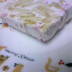 絶品!超簡単なイチゴのアイスケーキ☆