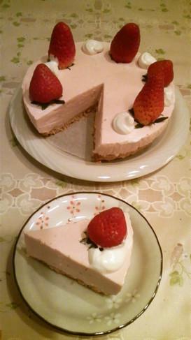 ひな祭りにも♡苺のレアチーズケーキ