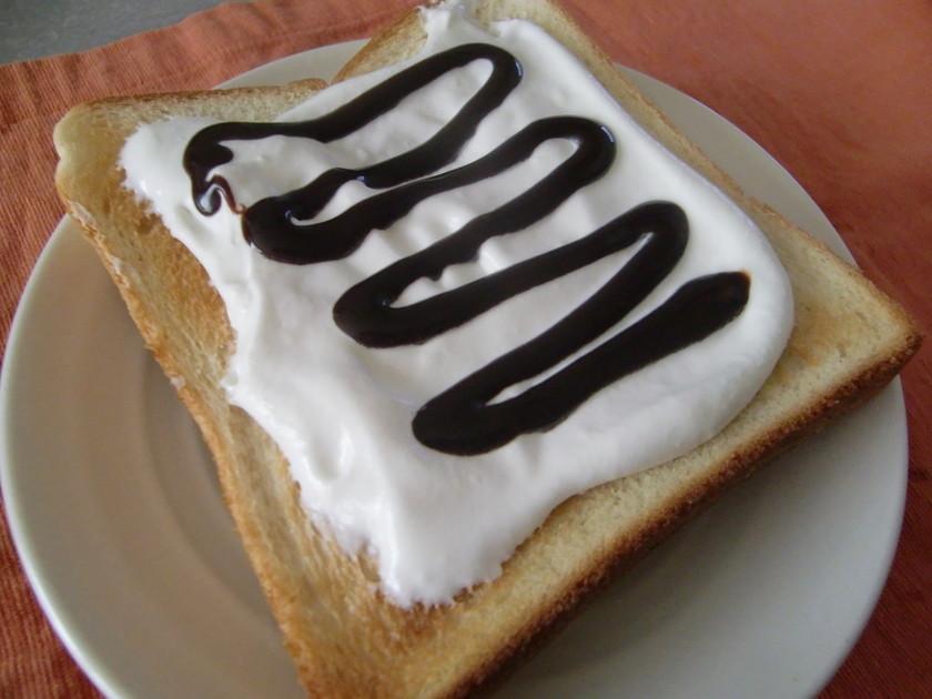 チョコ&クリームのデザートトースト