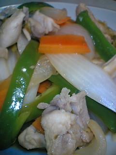 柔らかい!酢ネギで鶏と野菜の蒸し焼き