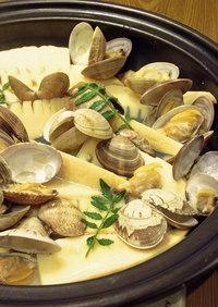 タジン鍋で筍とあさり貝の酒蒸し