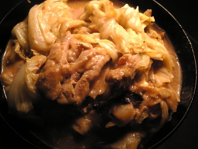 鶏もも肉とキャベツのチーズクリーム煮
