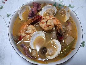 トムヤムタレー(海鮮のトムヤムスープ)