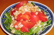 味ポンで簡単!新玉葱とトマトのサラダ