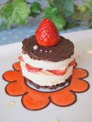 アイスクリームdeいちごのチョコフィーユの写真