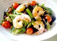 野菜タップリ海老とイカのガーリック炒め