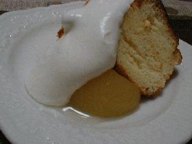 ♪ラ・フランスカルピスのシフォンケーキ~ラ・フランスのシロップ煮添え~♪