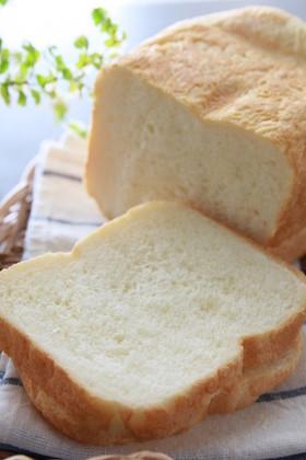 朝食に「ソフトなミルク食パン」HB使用