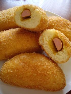 懐かしの魚肉ソーセージ入り揚げパン。