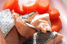 鮭と人参のバター煮。