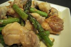 鶏モモ肉とアスパラの味噌炒め