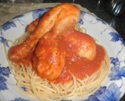 鶏ドラムスティックのスパゲッティソース煮の写真