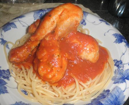 鶏ドラムスティックのスパゲッティソース煮