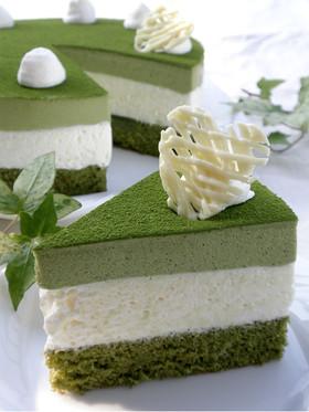 抹茶とホワイトチョコのムースケーキ