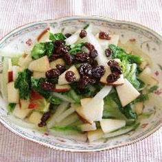 白菜とりんごのサラダ