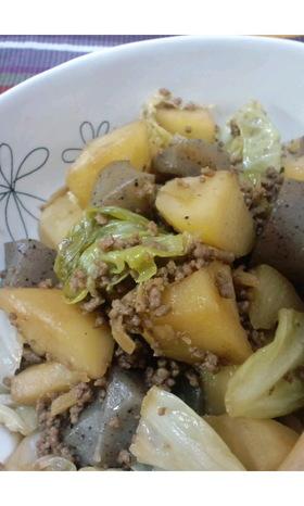 コロコロ蒟蒻とじゃが芋のそぼろ生姜煮