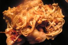 鶏もも肉とえのきだけの焼肉のタレマヨ炒め