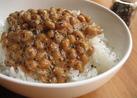 ピリッとおいしい黒胡椒納豆(タレなし)