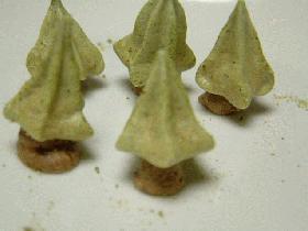 もみの木の形のメレンゲ菓子
