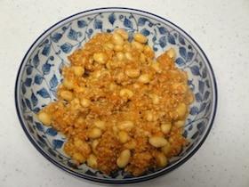 煮大豆のピリ辛鶏そぼろ