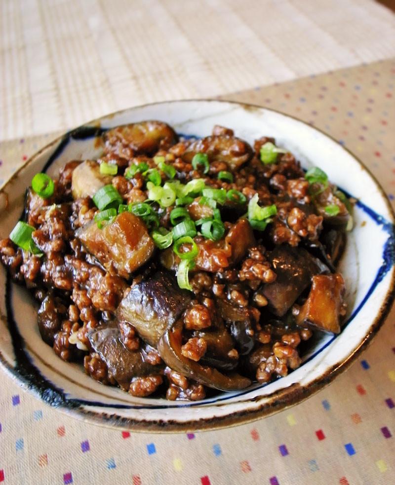 ご飯がっつり!ナスと豚ひき肉の甘味噌丼
