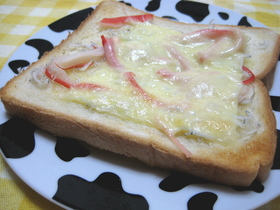 簡単☆カニカマしらすトースト