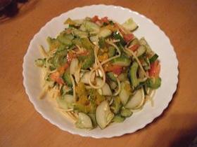 夏野菜サラダパスタ ゴーヤ、胡瓜、トマト