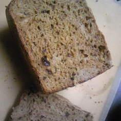 黒糖レーズンライ麦パン