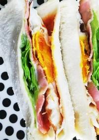 ボリューム満点!目玉焼きのサンドイッチ☆