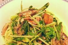 オイルサーディンと青菜のパスタ