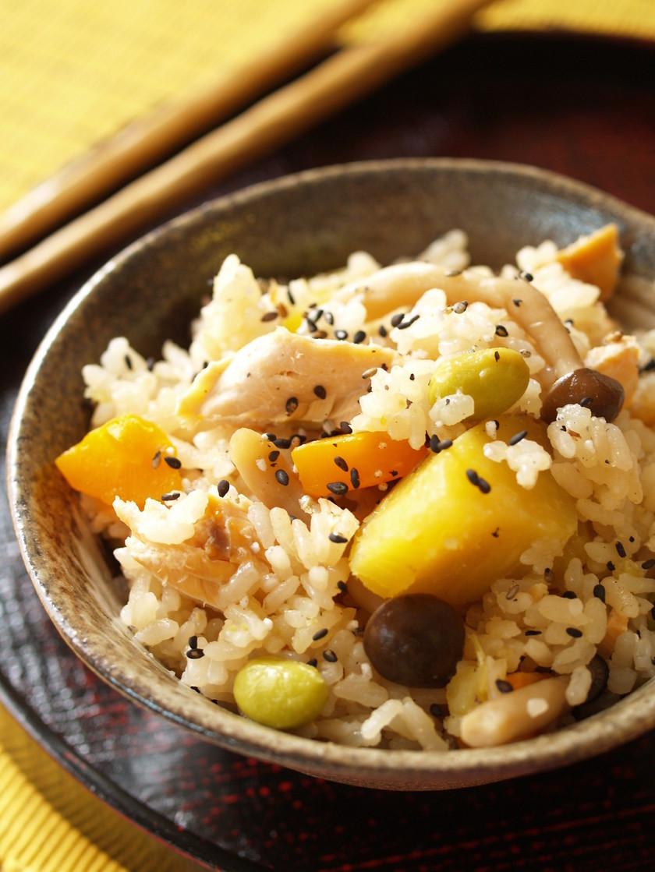 秋野菜の彩り五目炊き込みご飯