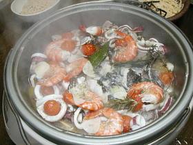 グリル鍋で作る洋風魚貝鍋アクアパッツァ風