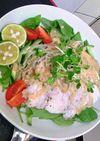 鶏ハム・ゴマ味噌タレでメインおかずサラダ