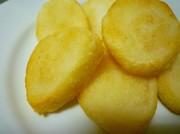 粗めの米粉でカリッモチッ☆おかき風揚げ餅の写真