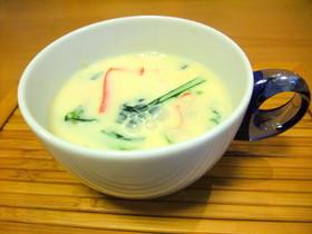 ほっこり♪小松菜の豆乳コンソメスープ