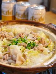 豚とキャベツのニンニク塩バター鍋の写真