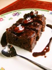 高カロリーなチョコレートケーキの写真