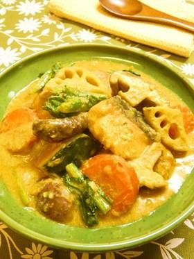 鮭と冬野菜のカレー豆乳煮
