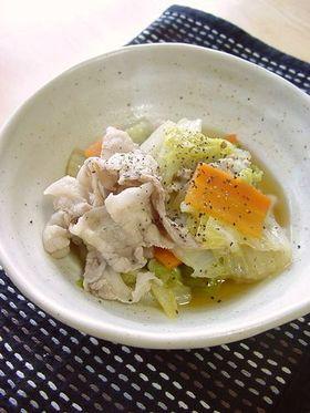 白菜と豚肉のコンソメバター煮。
